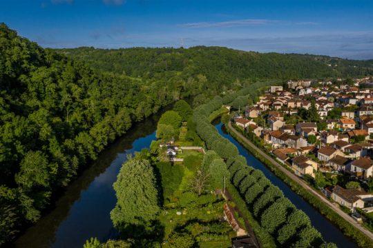 Vue sur l'Isle et le canal à Périgueux